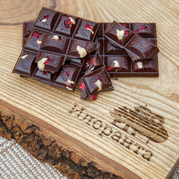 Тёмный шоколад с фундуком и вишней 110 г